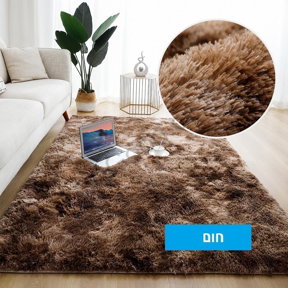 שטיח חום