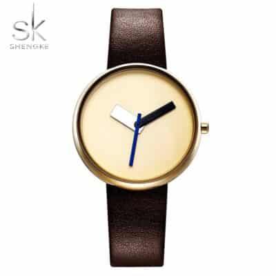 שעון שלושה מחוגים בעיצוב מינימליסטי מודרני